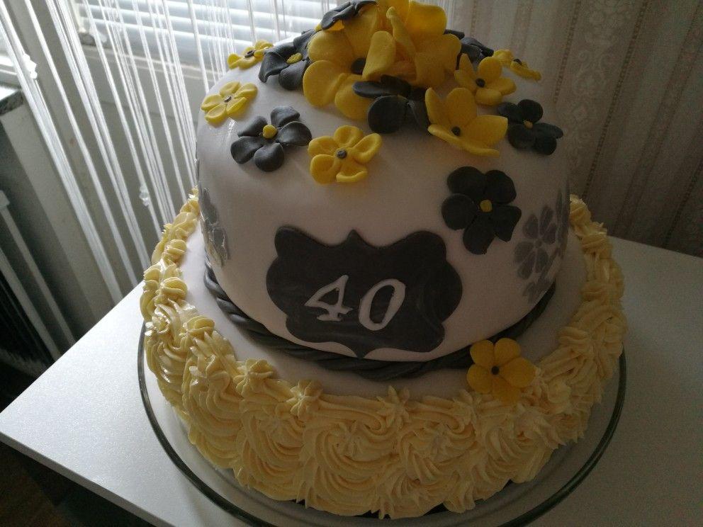 Cake: yellow and grey