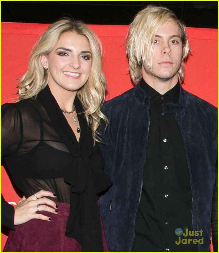 R5 visit venice before heading to paris for fan meet greet rikey r5 visit venice before heading to paris for fan meet greet m4hsunfo