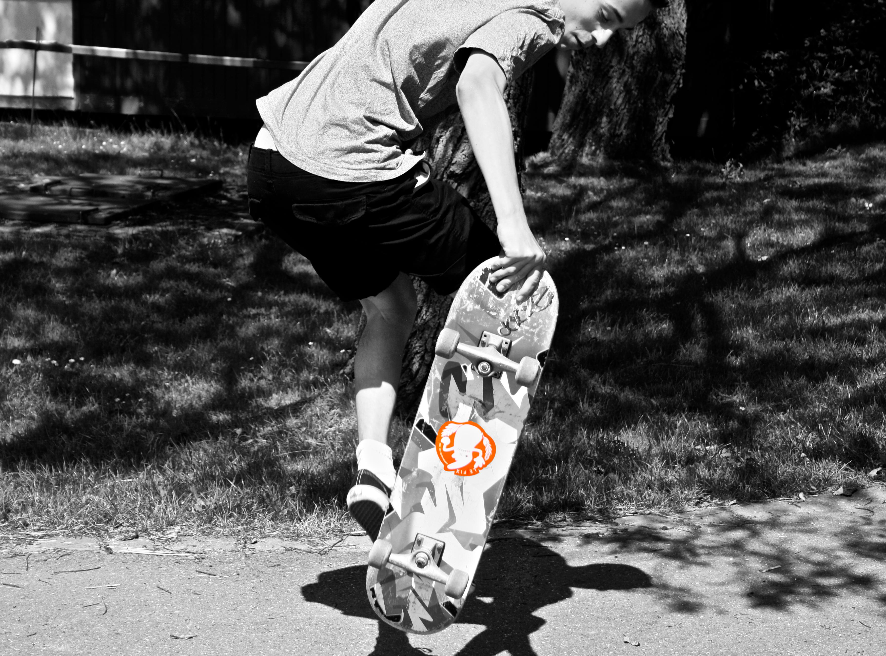 skate,lefix,blackandwhite