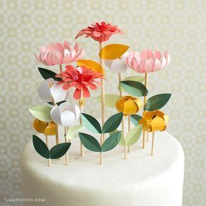 Flower Cake Toppers – Lia Griffith #paperflowerswedding