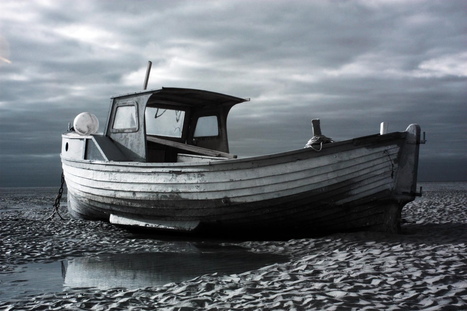 Infrared study of old wooden boat at meols boats big for Large fishing boats