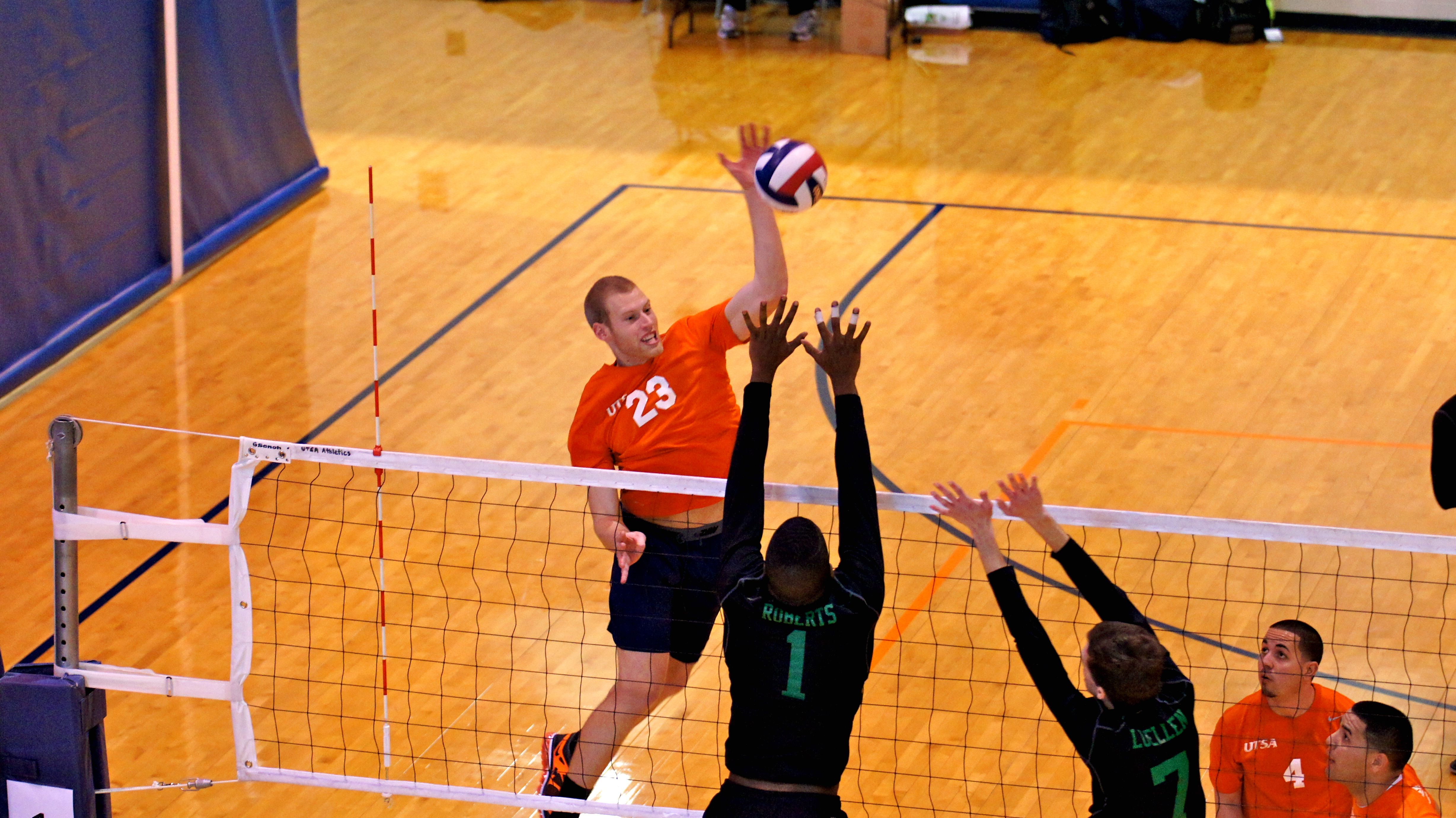 Siva Volleyball Tournament Hosted At Utsa Volleyball Tournaments Sports Clubs Intramurals