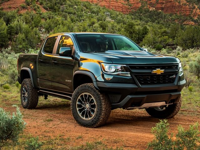 2017 Chevrolet Colorado Zr2 First Review Kelley Blue Book Trucks