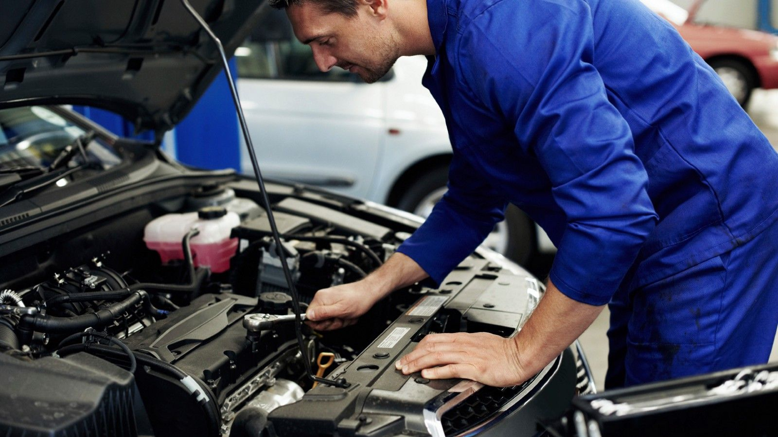 Is Your Car Being Repaired By A Mechanic Or Is At The Dealership Call Dime Car Rentals Now At 905 543 1170 Car Repair Service Mobile Mechanic Car Mechanic