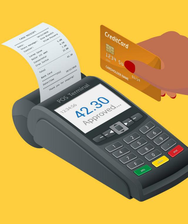 5 Times You Should Pay With a Credit Card, Instead of Cash