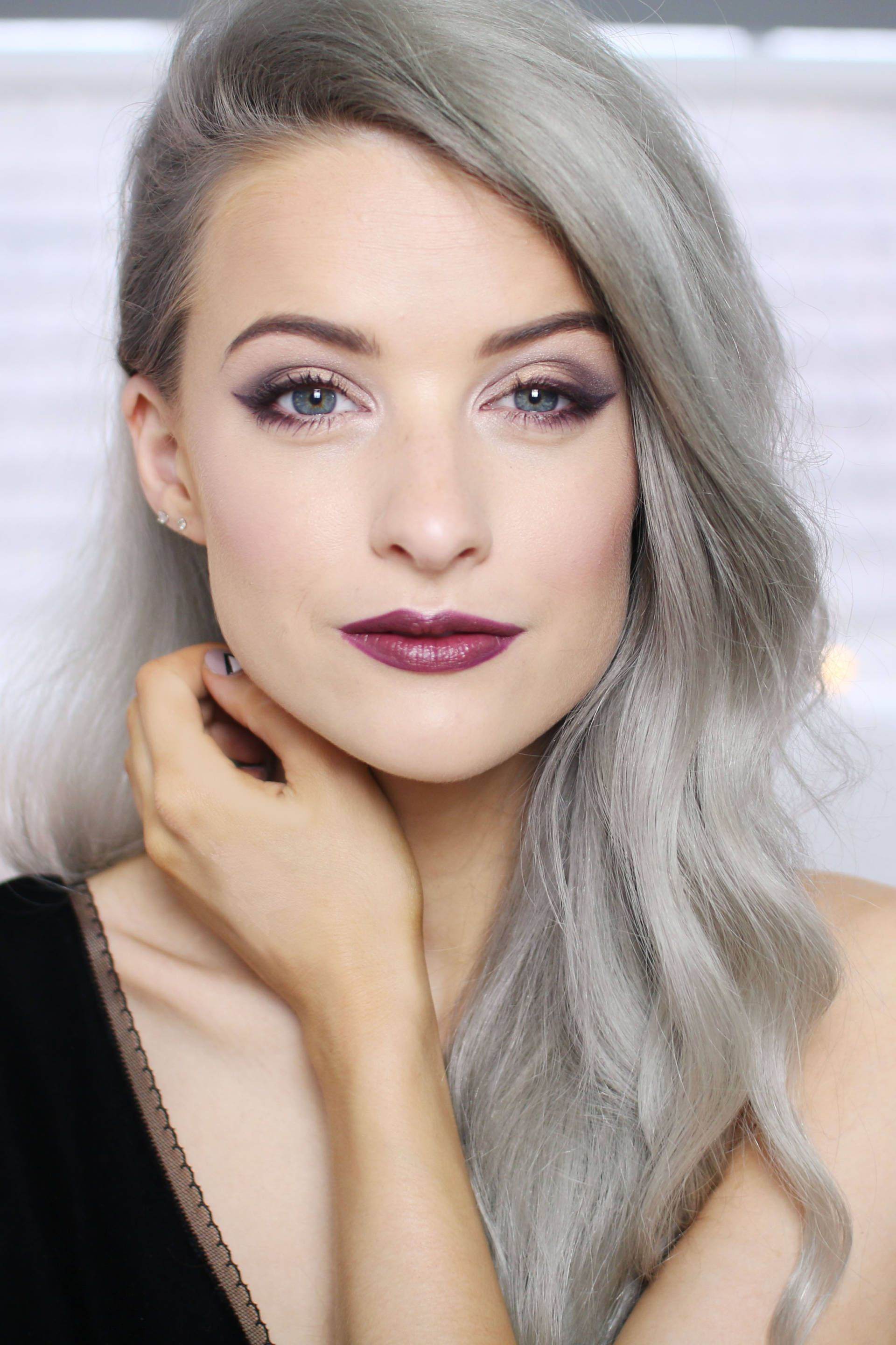 How to Wear the Chanel Christmas Collection - Inthefrow