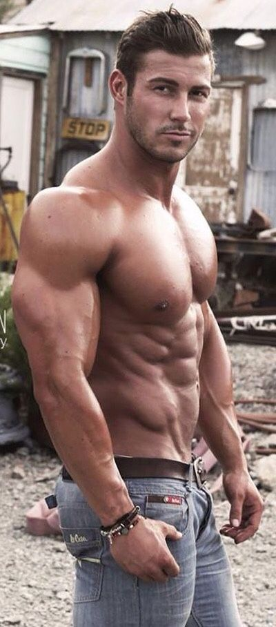 Wekk muscled erotic men