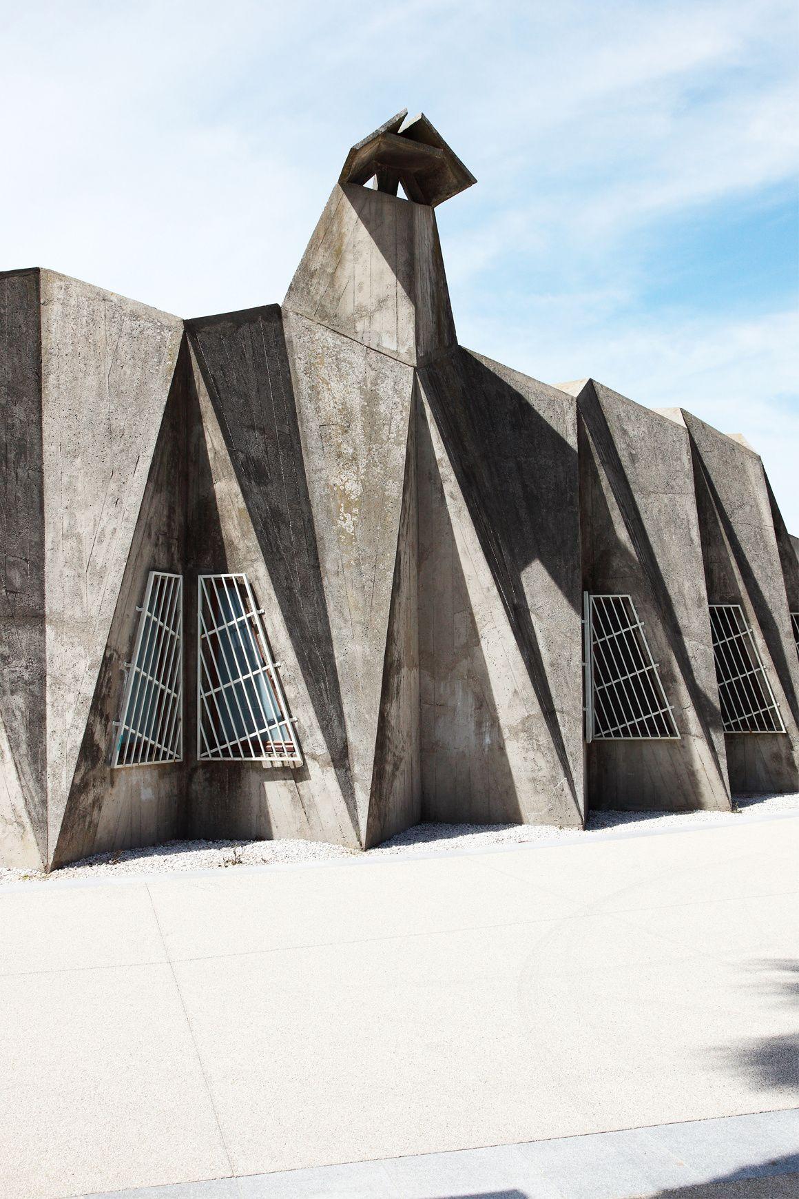 La Grande Motte Naissance Des Vacances Architecture Brutaliste La Grande Motte Architecture De Facade