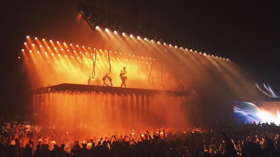 Kanye West Saint Pablo Tour Concert Stage Design Stage Design Stage Set Design