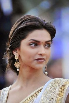 Loose braided bun | Bollywood hairstyles, Deepika ...