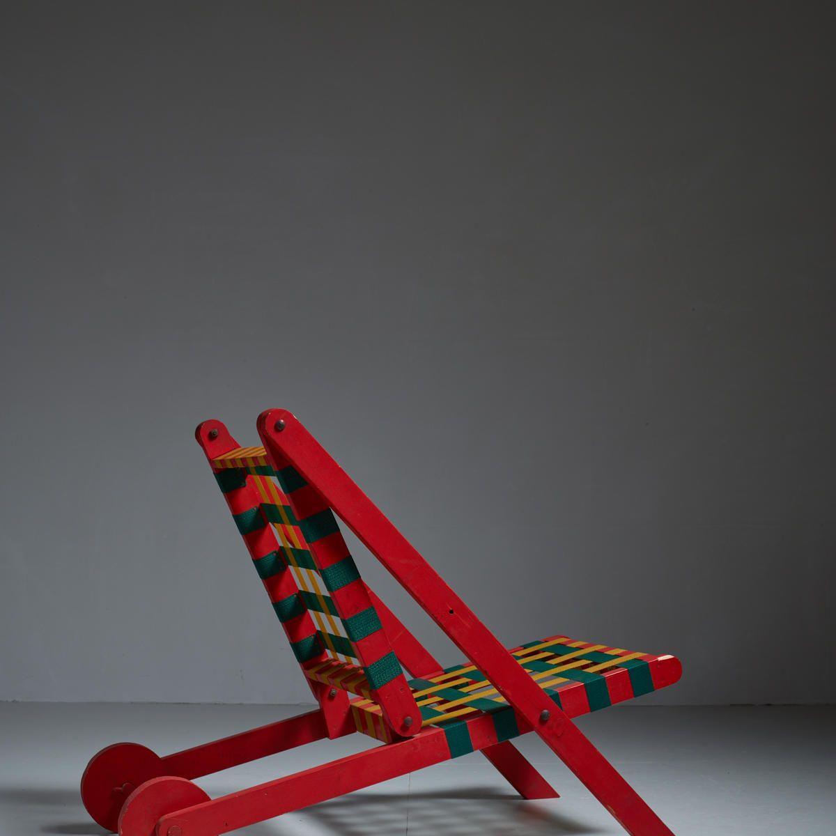 Easybild folding red wood indoor outdoor lounge chair