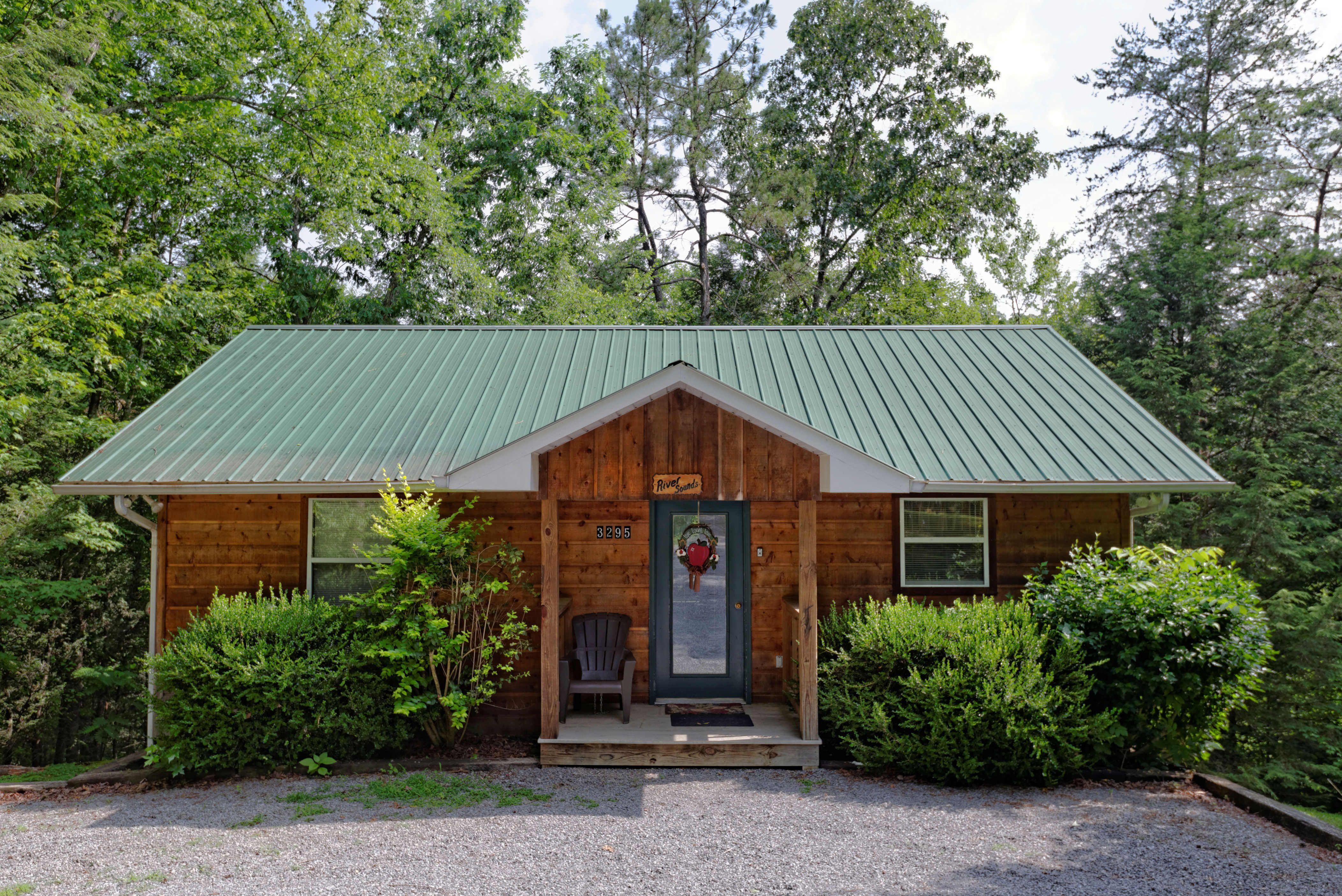 sevierville cabin rental river sounds 121 1 bedroom cabin