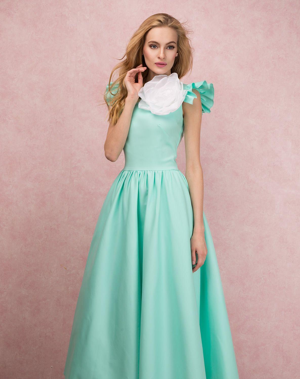 платье в пол и ботильоны