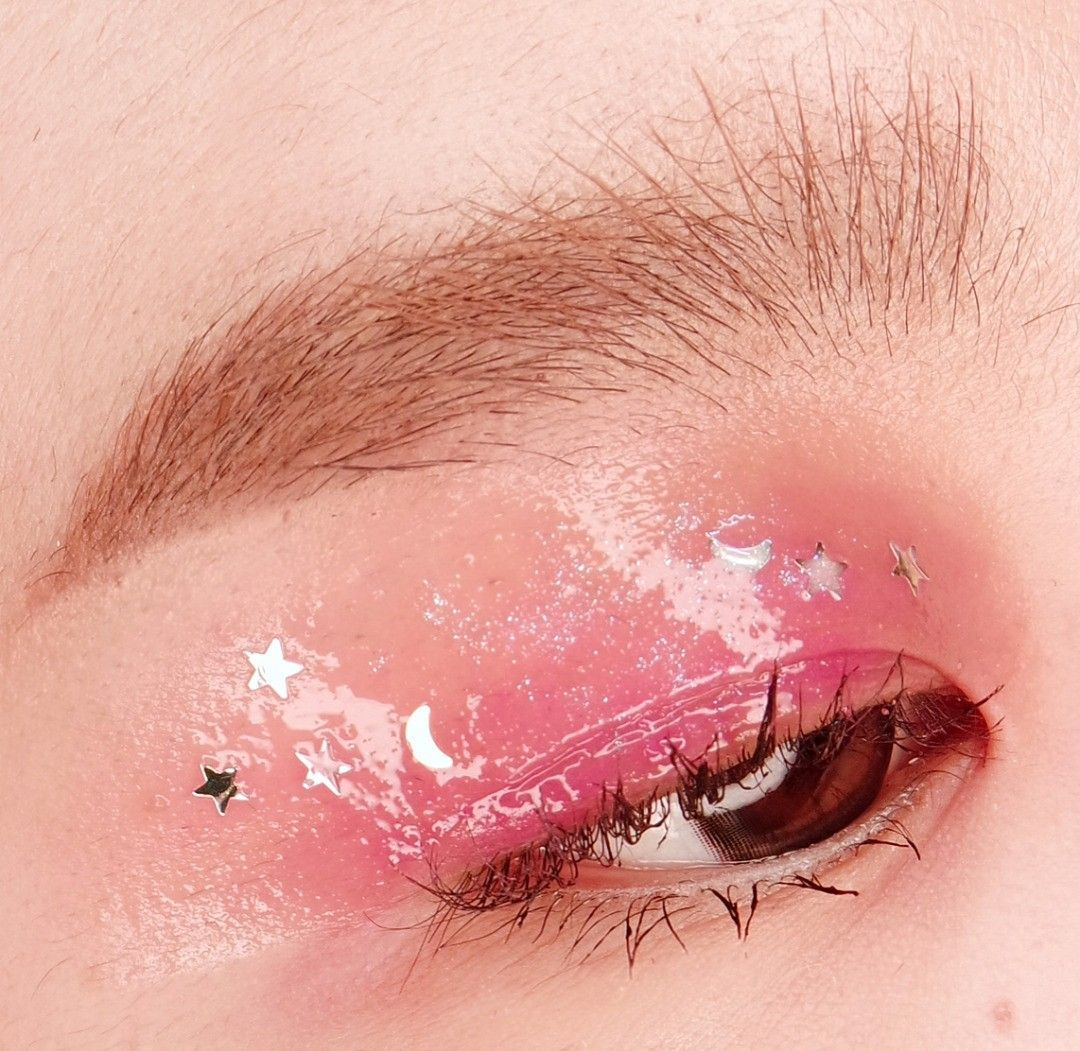 Pin by Gail Ewing on makeup in 2020 Aesthetic eyes