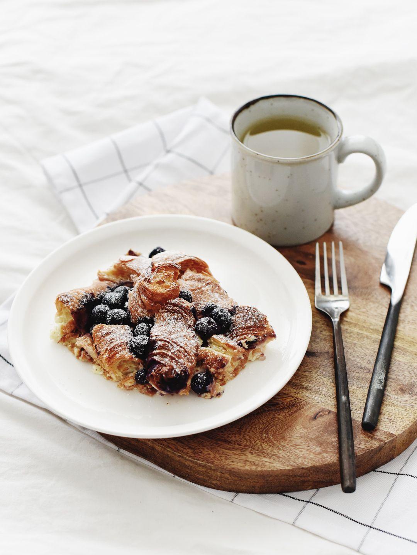 Croissant Pudding met Blauwe Bessen | www.88food.nl | 88 ...
