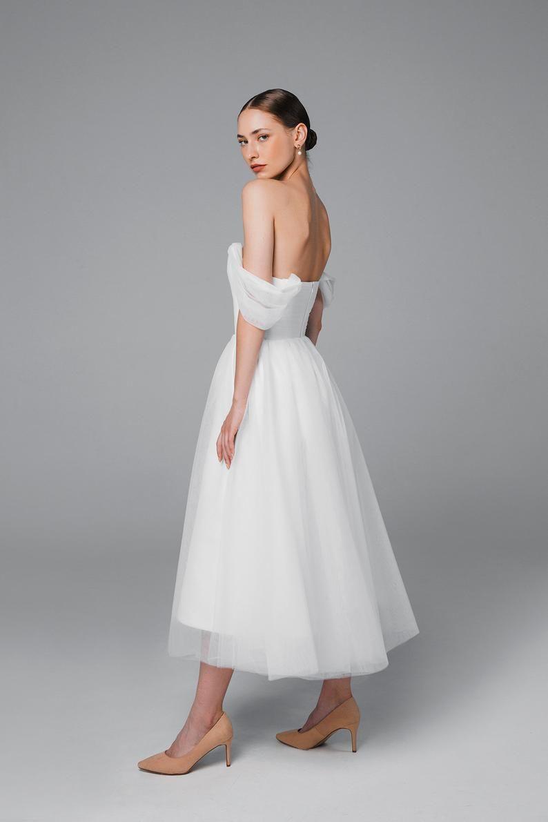 Tulle Midi Wedding Dress Short Wedding Dress 50s Wedding Dress Simple Wedding Dress Bridal Gown Mistique Midi In 2020 Short Wedding Dress Midi Wedding Dress Wedding Dresses [ 1191 x 794 Pixel ]