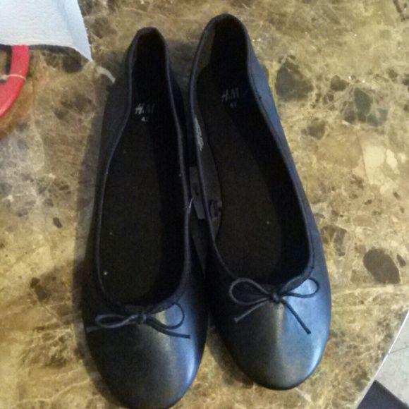 Brand New H&M Flats Black H&M flats H&M Shoes Flats & Loafers