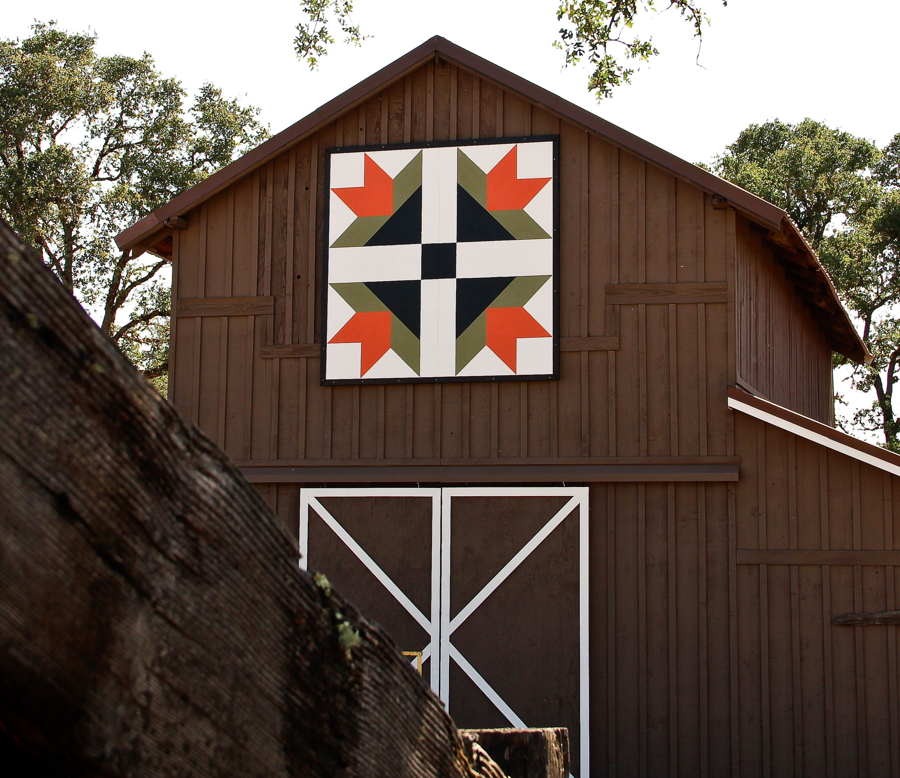 Quilt Patterns On Wisconsin Barns : barn quilt patterns and their meanings - Google Search Rustic Centerpieces Pinterest Lakes ...