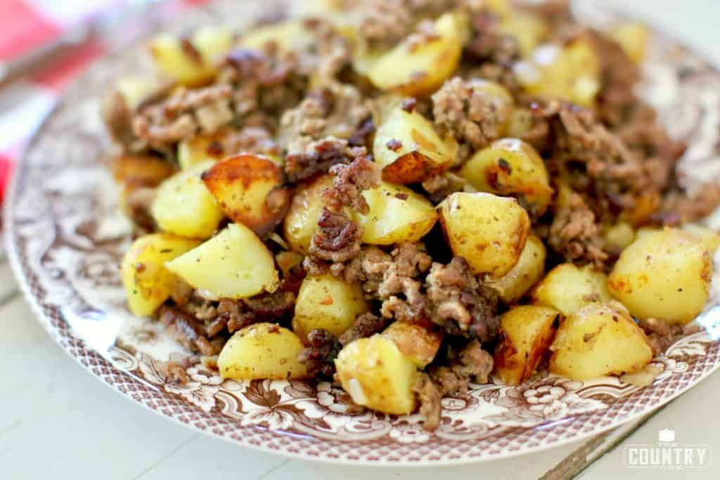 Old School Hamburger Hash The Country Cook Recipe Ground Beef And Potatoes Hamburger And Potatoes Beef Recipes