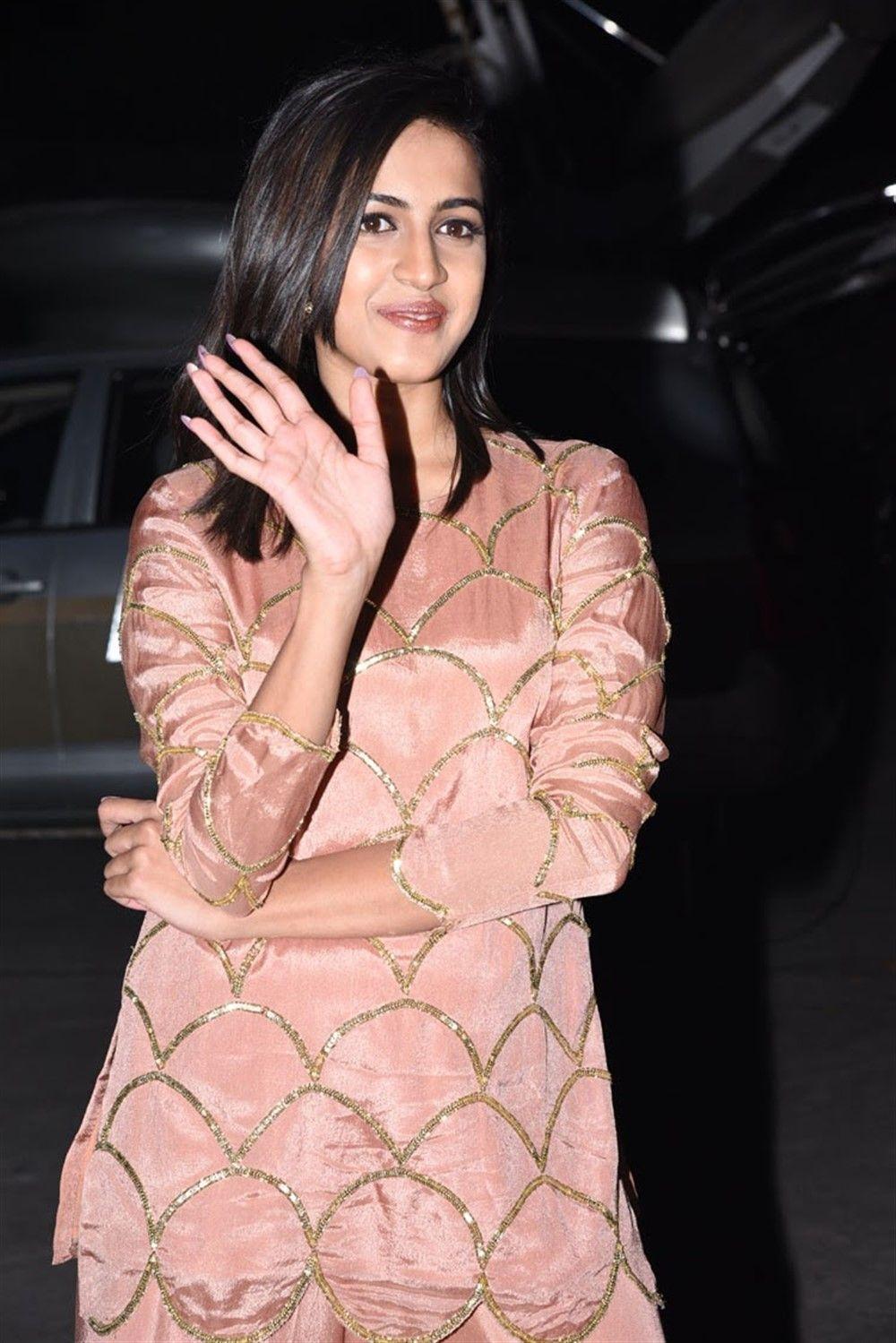 Niharika Konidela at Suryakantham Movie Pre Release Event