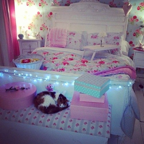 exciting cute girly bedroom ideas | So cute and girly, I love al the floral. | personal space ...