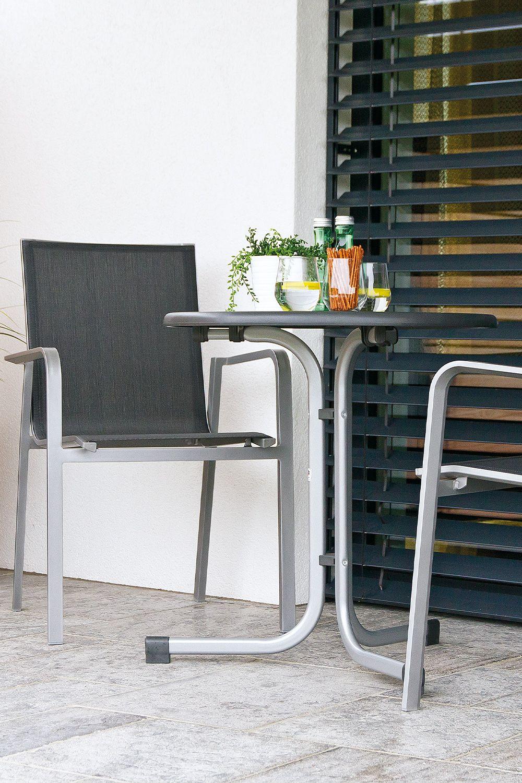 Schwere Lounge Garnituren Oder Wuchtige Holzmobel Lassen Einen
