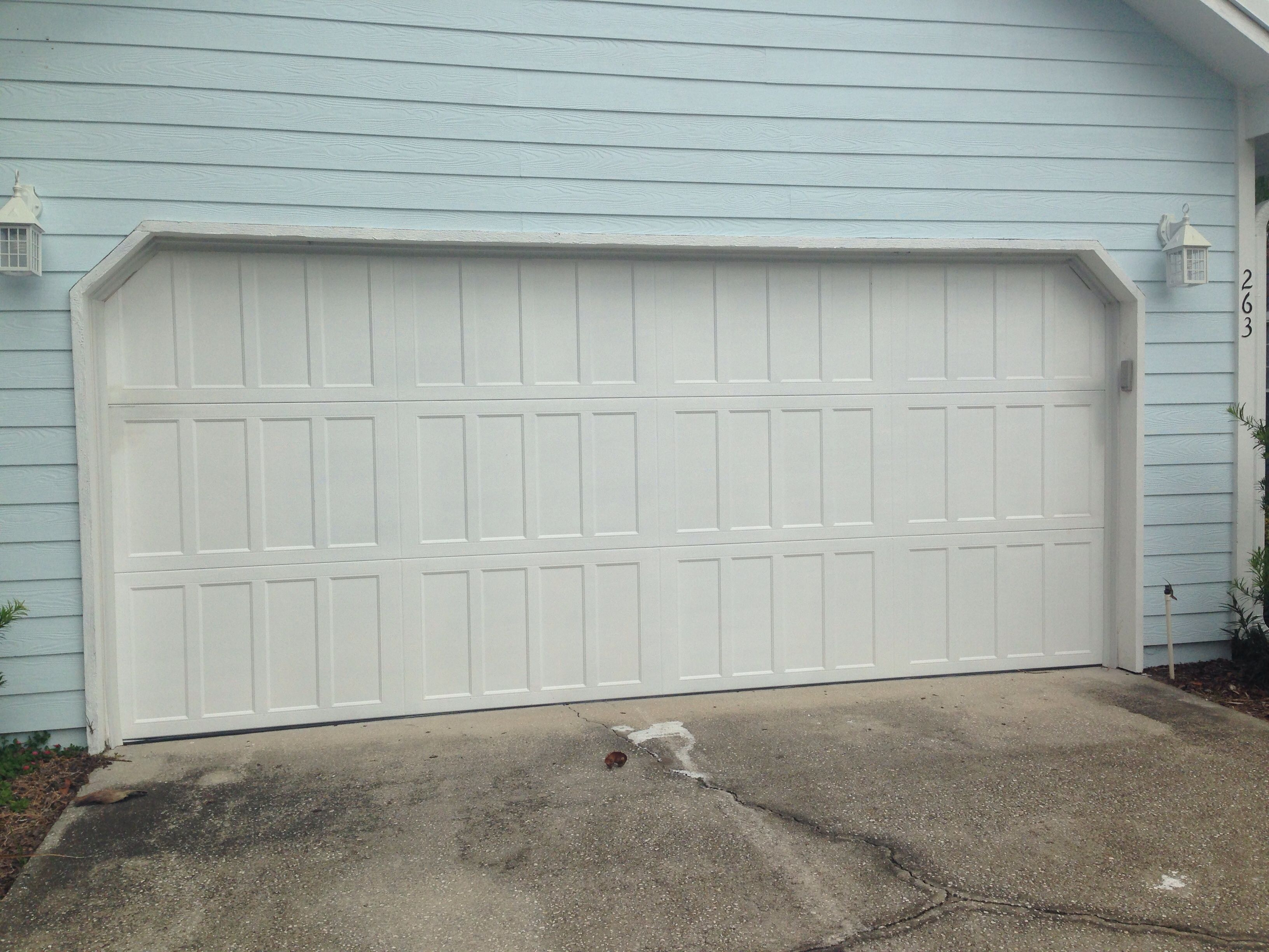 Classica northampton garage door white 9 x 8 no windows - Amarr Classica Northampton Closed Square In True White Garage Door Installed On A Home Remodel In