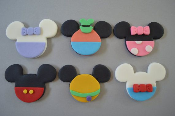 Each set includes: 2 Mickey, 2 Minnie, 2 Daisy, 2 Donald, 2 Goofy, 2 Pluto Cupcakes not included. Please allow 1-2 weeks for your toppers to