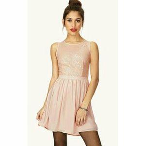 Dresses & Skirts - NWT Peach sequin dress small