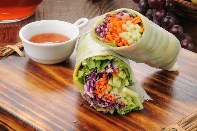 Crunchy Veggie Cabbage Wraps With Raw Mango Chutney Raw Food Recipes Vegetable Snacks Raw Vegan Recipes