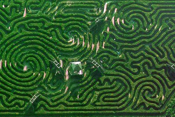 The maze is probably the most fun of all those in this review ... Areial Views Garden Designs Labyrinth on