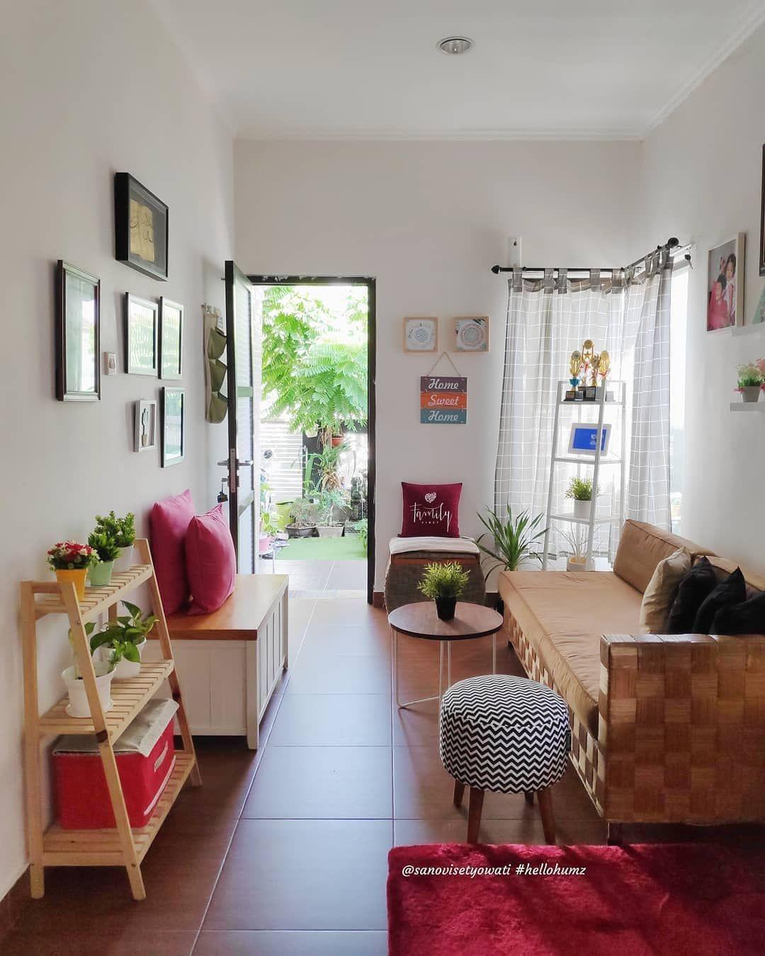 Living Room.. Area imut nan sederhana, tempat canda tawa