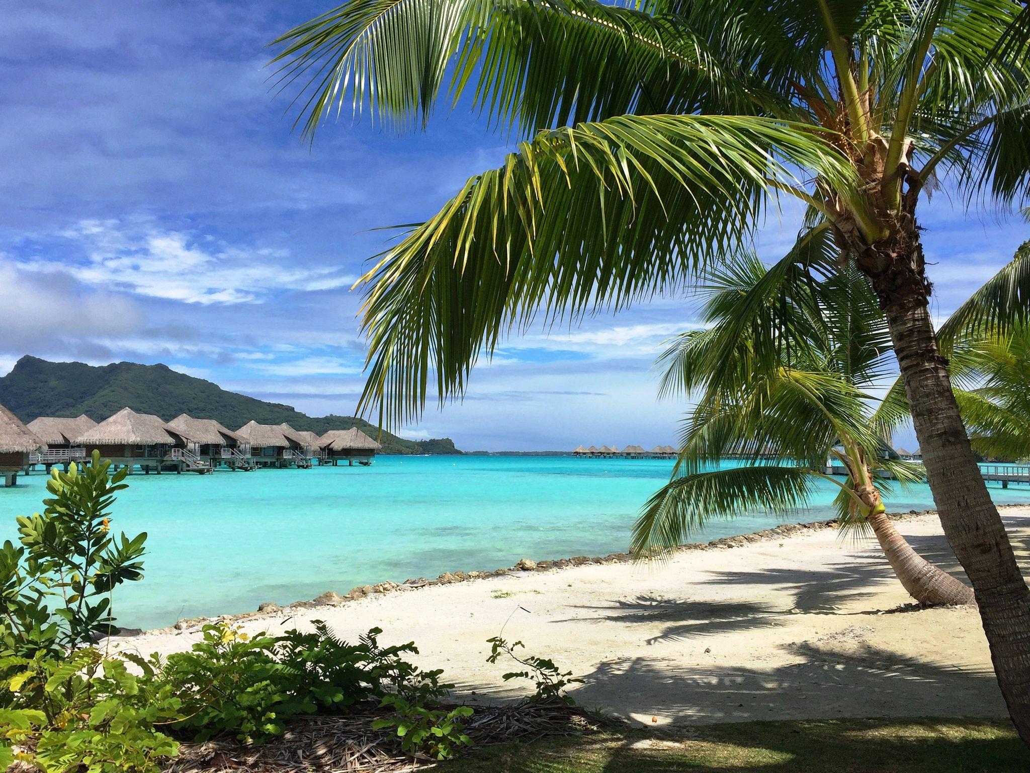 2617e2 beautiful Bora Bora South pacific islands, Bora