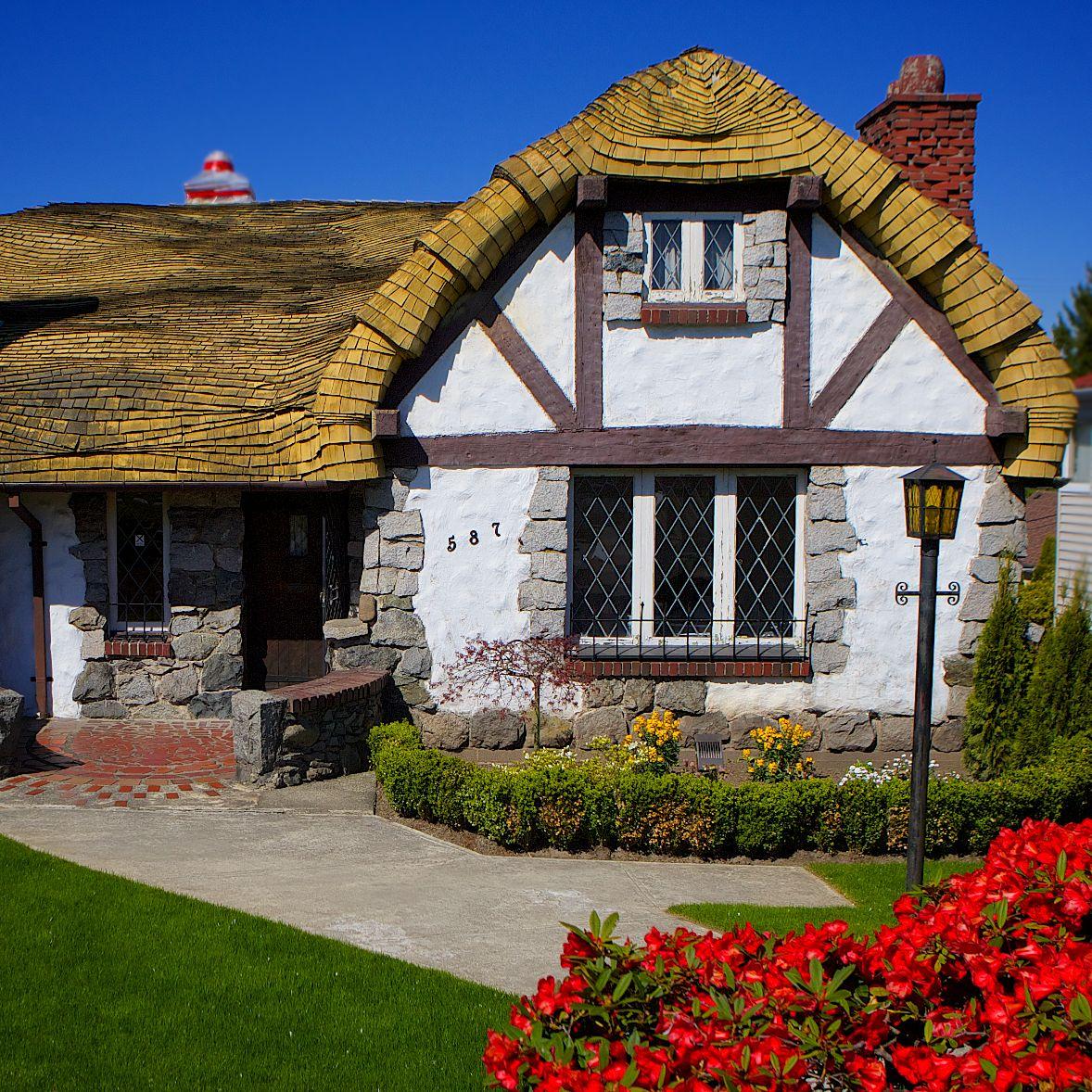 English Cottage Village: English Cottage Stucco Finish - Google Search