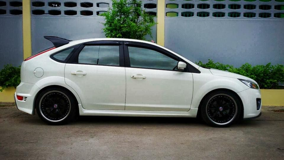 white ford focus st tuning ford focus st tuning. Black Bedroom Furniture Sets. Home Design Ideas