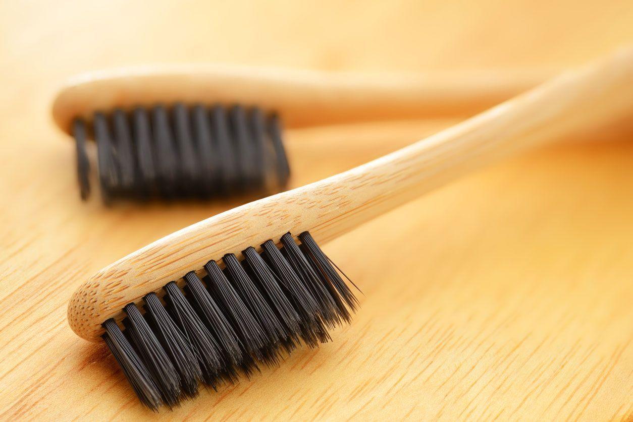 Cepillos De Dientes De Bambu Para Reducir El Uso De Plastico Hogarmania Cepillos De Dientes Blanqueamiento De Dientes Cepillo