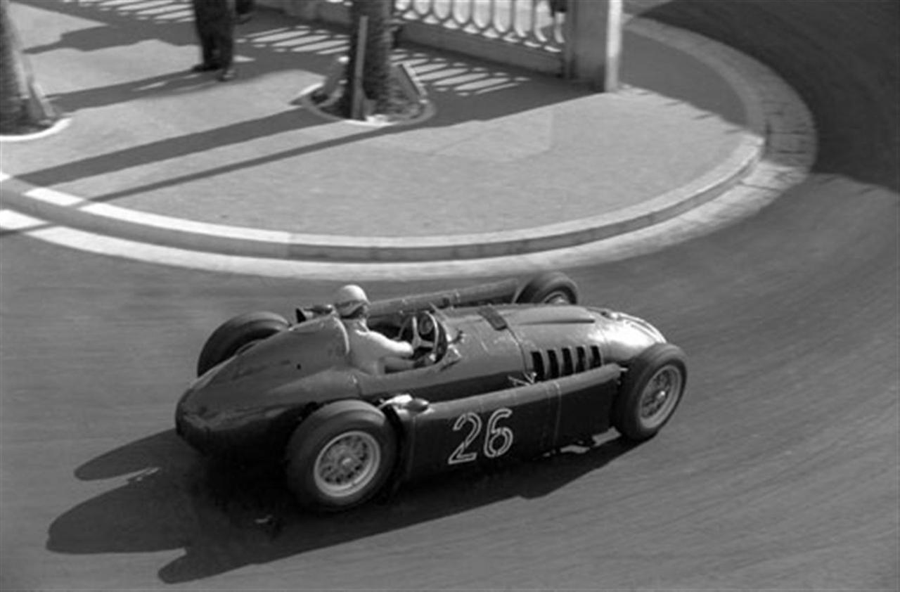 Alberto ascari lancia d50 1955 monaco grand prix lancia d50 alberto ascari lancia d50 1955 monaco grand prix vanachro Gallery