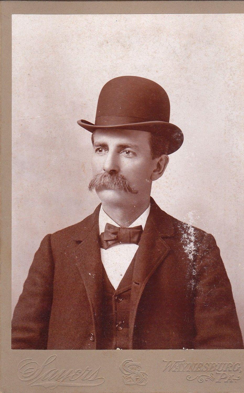 Victorian Antique Headwear. 1800/'s Felt Bowler Hat in Black