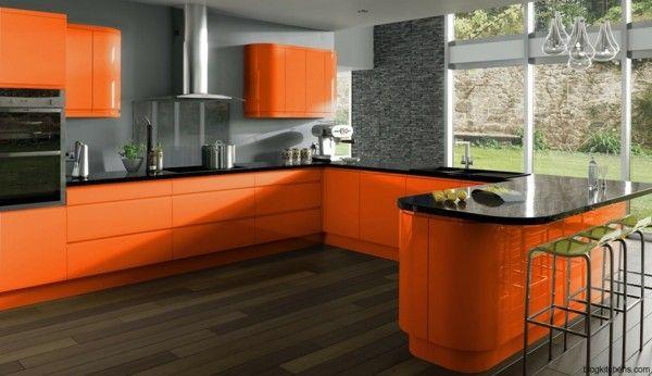 Moderne Küchengestaltung eine ansprechende küchengestaltung mit einem orangen touch
