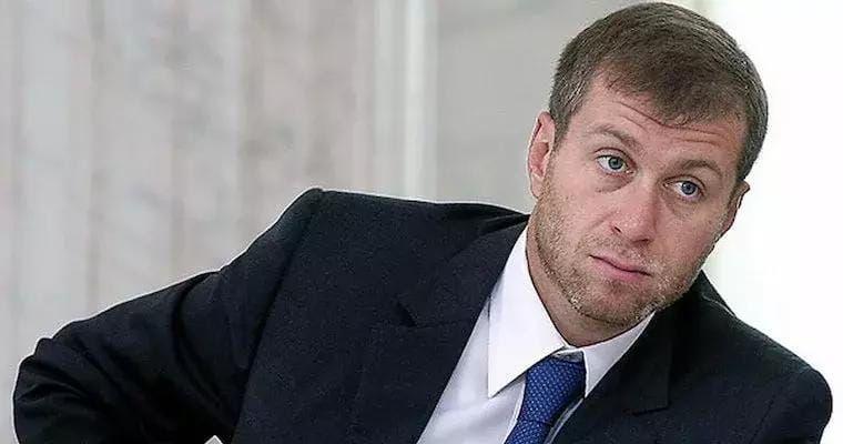 Russian billionaire roman abramovich who owns chelsea