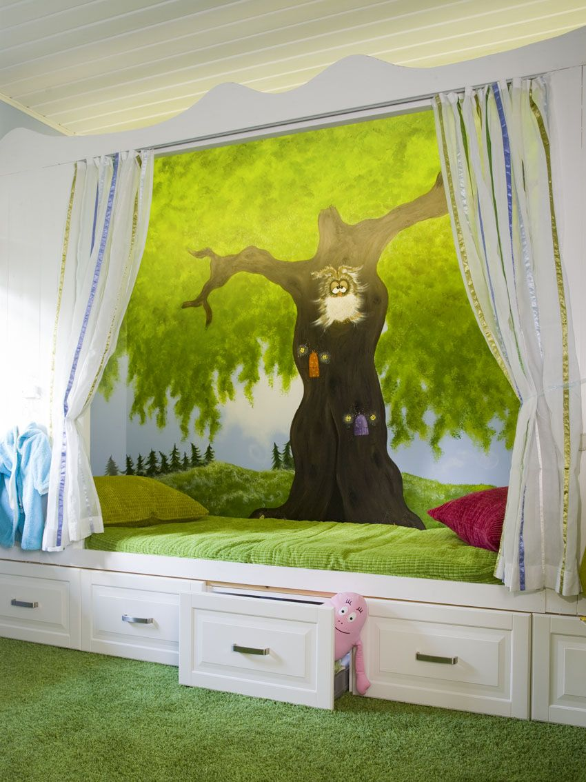 Owl Bedroom Curtains Interesting Tree With Foxy Owl Cartoon Wallpaper Beside The Bunk