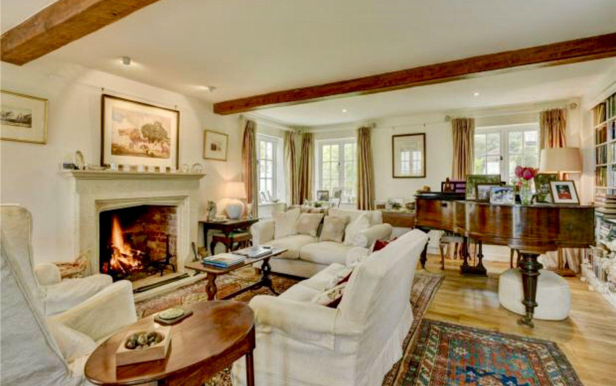 British Living Room Cottage Living Rooms British Decor Cozy