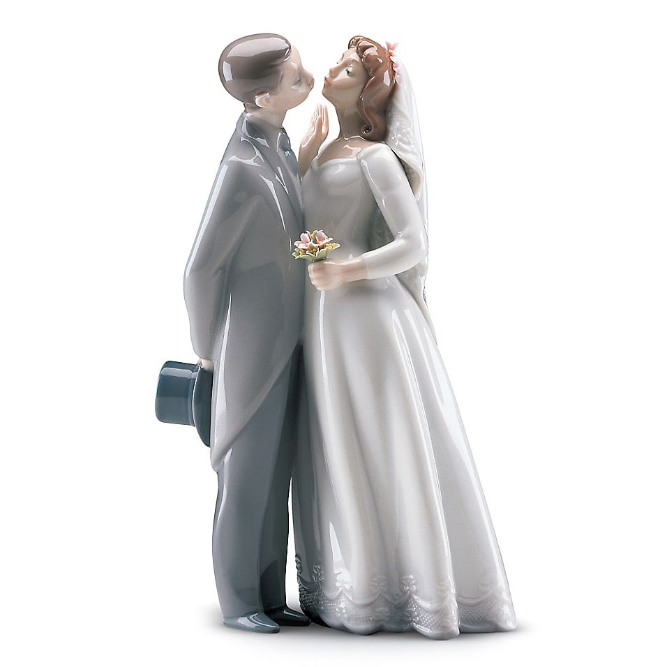 Lladro A Kiss To Remember Porcelain Figurine In 2020 Figurines
