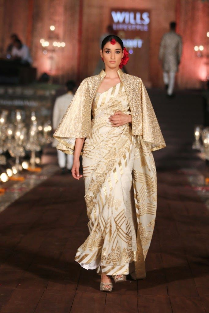 10 Drool Worthy Outfits From Rohit Bal's Grand finale Show at WIFW S/S 2015 - Guilty Bytes: Indian Fashion Blogger | Beauty Blogger