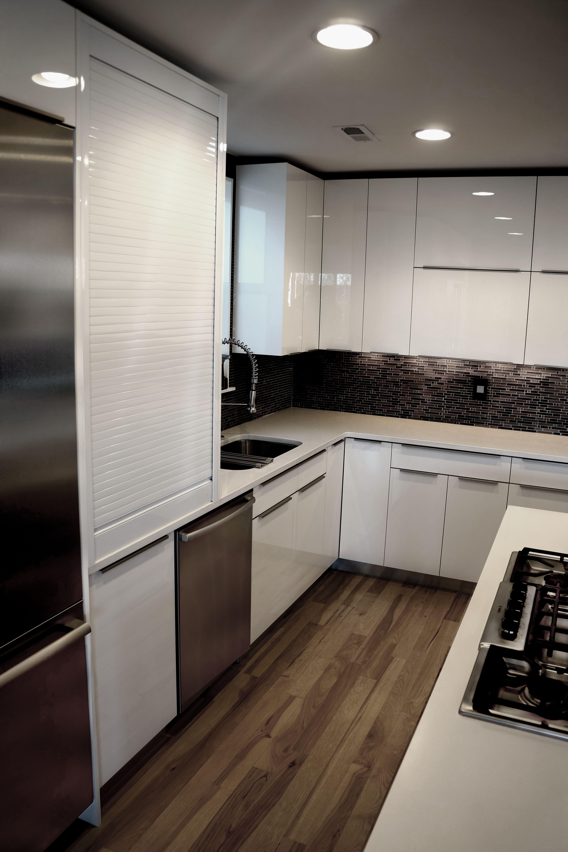 Modern Kitchens By Baczewski Luxury With Images Modern Kitchen Kitchen Refacing Cabinet Refacing