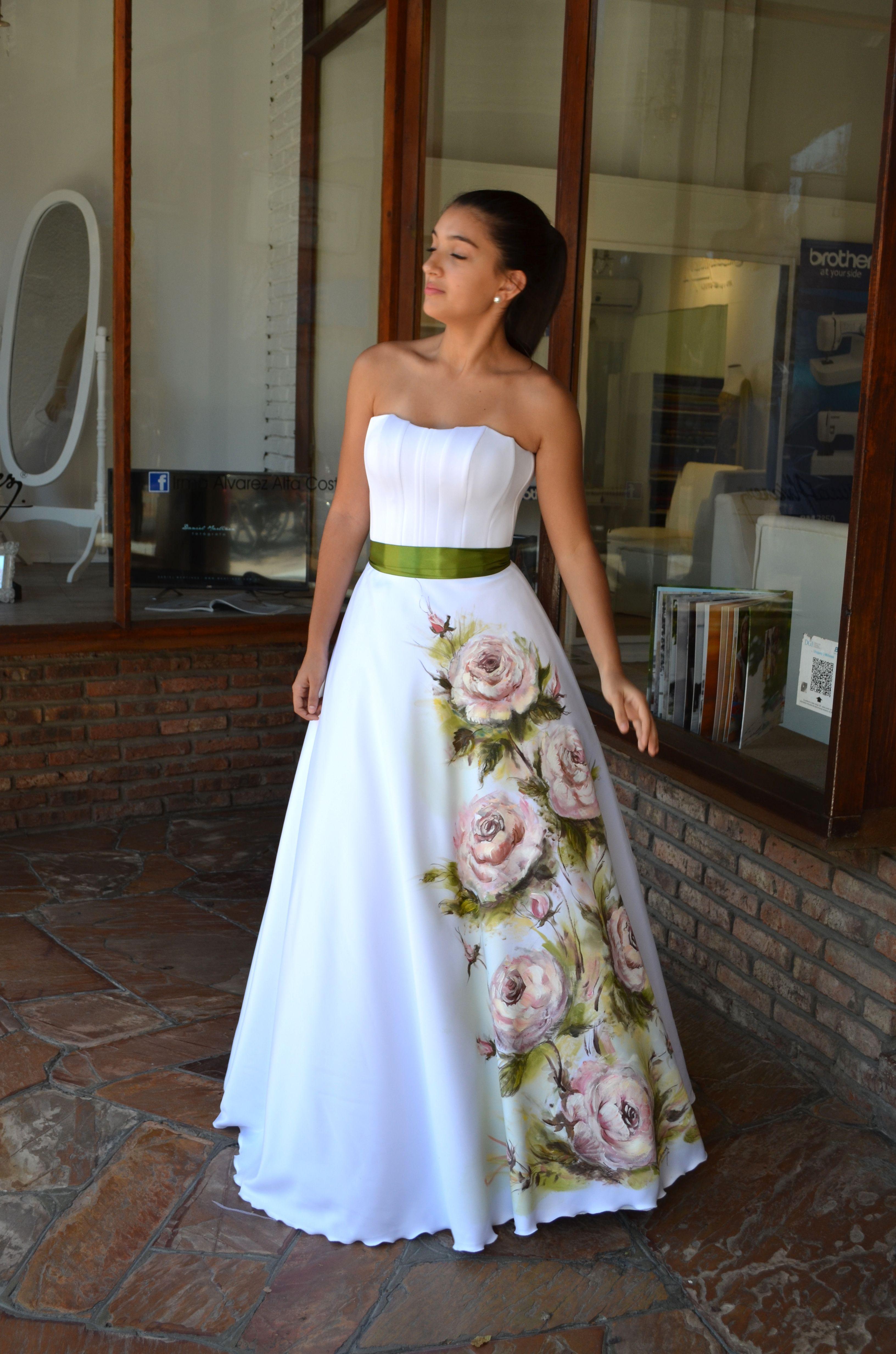 Tatiana Con Vestido Pintado A Mano Por Irma Alvarez En 2019