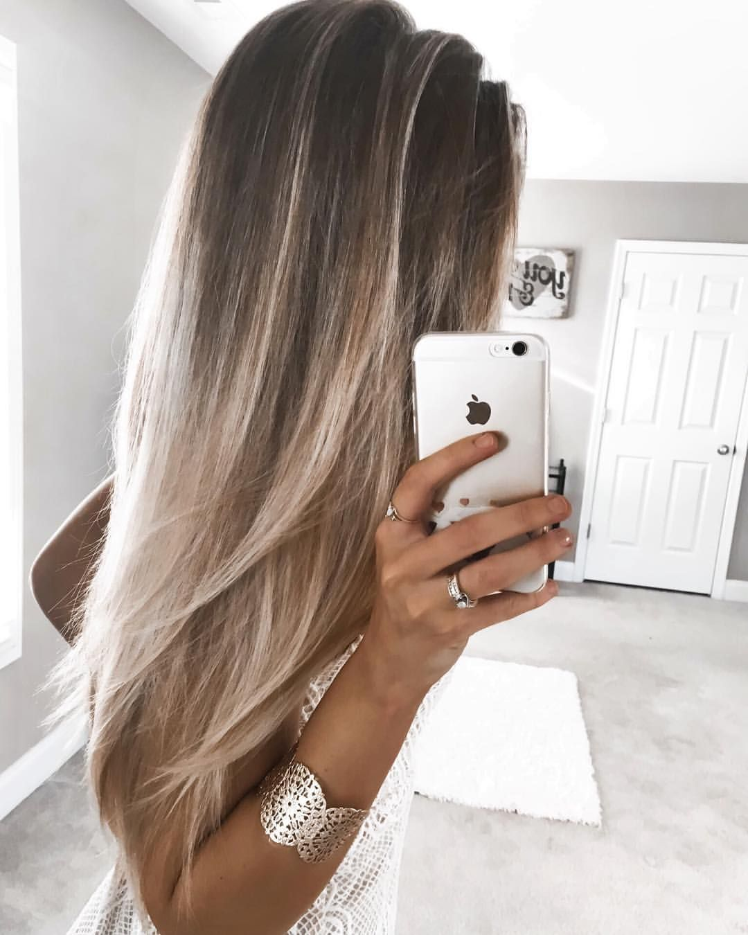 Kelsey Floyd On Instagram I Ve Had A Lot Of People Ask Me For A Good Shot Of My Hair To Check Out The Colors S Long Hair Styles Hair Styles Summer