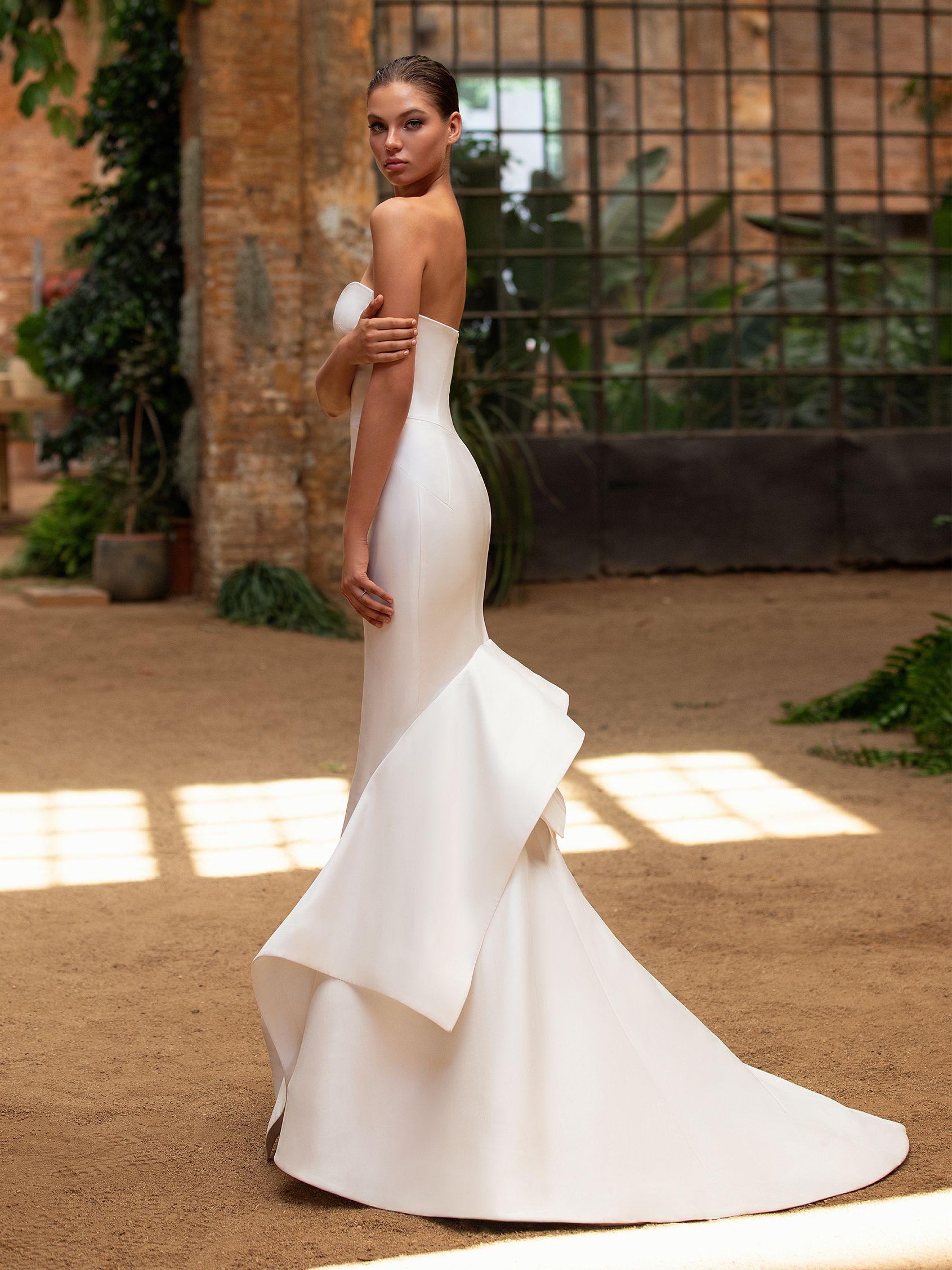 Katie Dress Wedding Dresses Sweetheart Neckline Bridal Wedding Dress Trends [ jpg ]