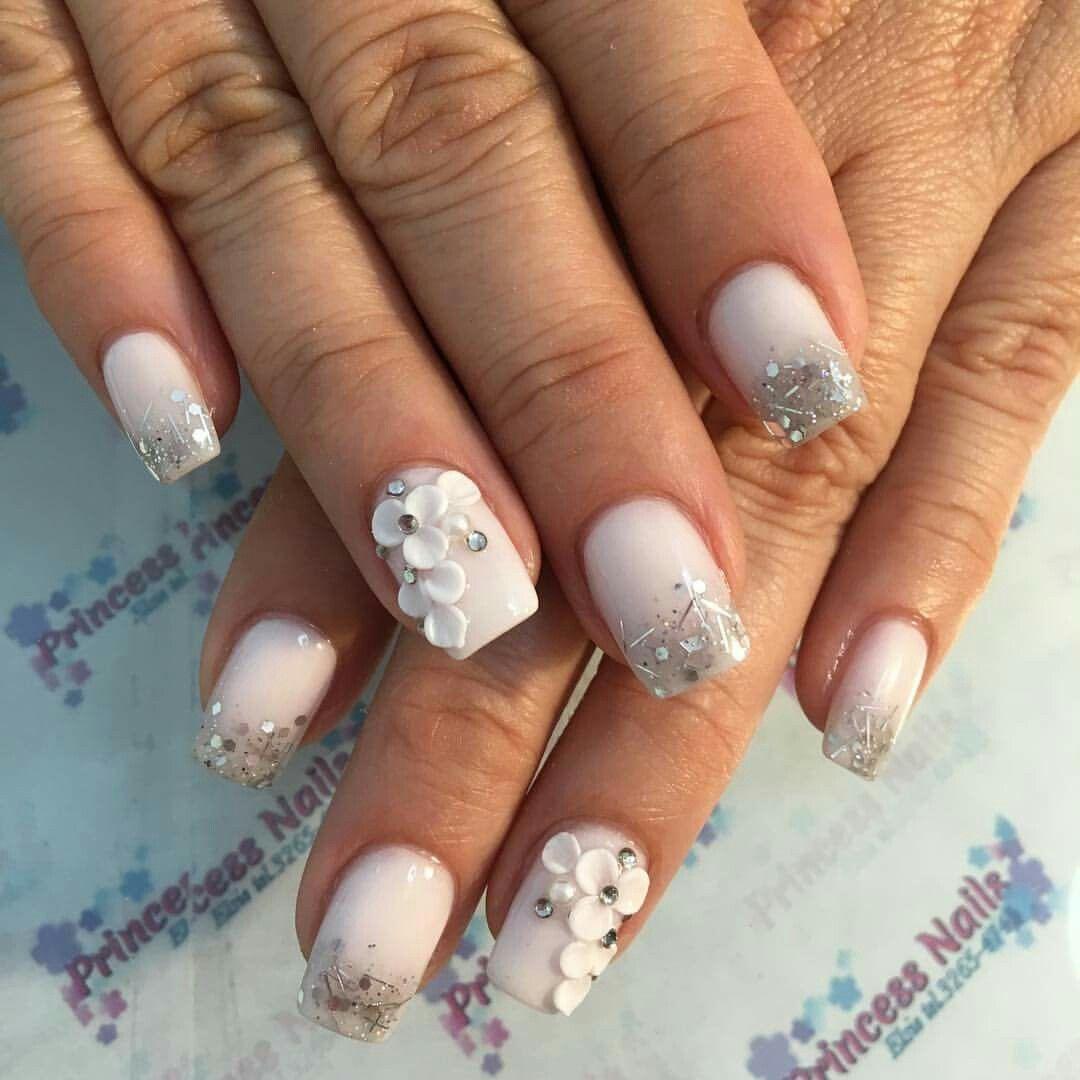 U as acr licas blancas flores 3d u as manos pinterest for Decoracion 3d unas acrilicas