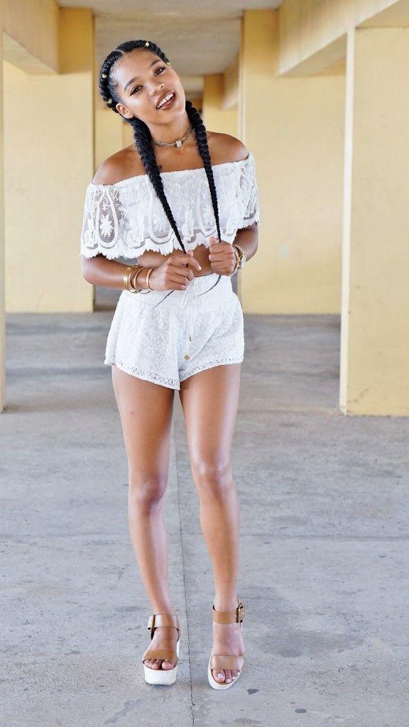4a8ffa061e69b1 boho-bohemian-outfits-fashion-trends-lace-off-shoulder-top-coachella -natashaleeds